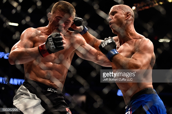 Donald Cerrone massacrou Rick Story no UFC 202 (Foto: Jeff Bottari / Zuffa LLC)