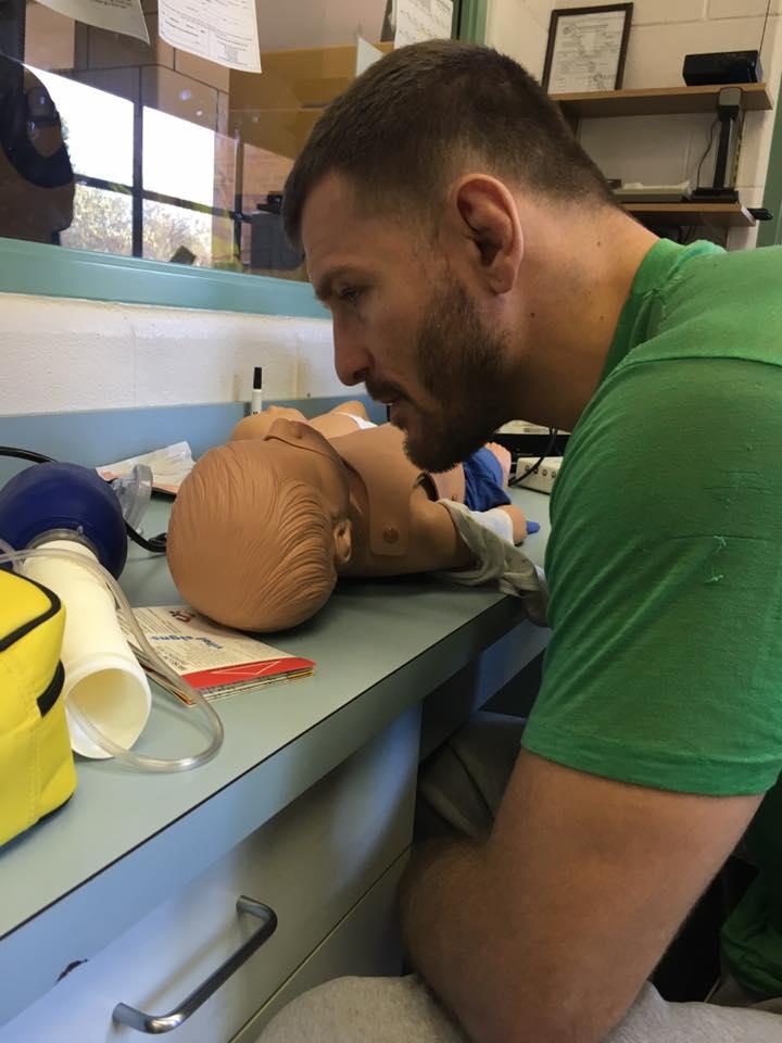Imagem divulgada por Stipe Miocic durante seu treinamento (Foto: Facebook @OfficialStipeMiocic)