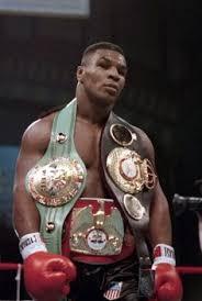 Mike Tyson foi um dos maiores pesos pesados de todos os tempos.