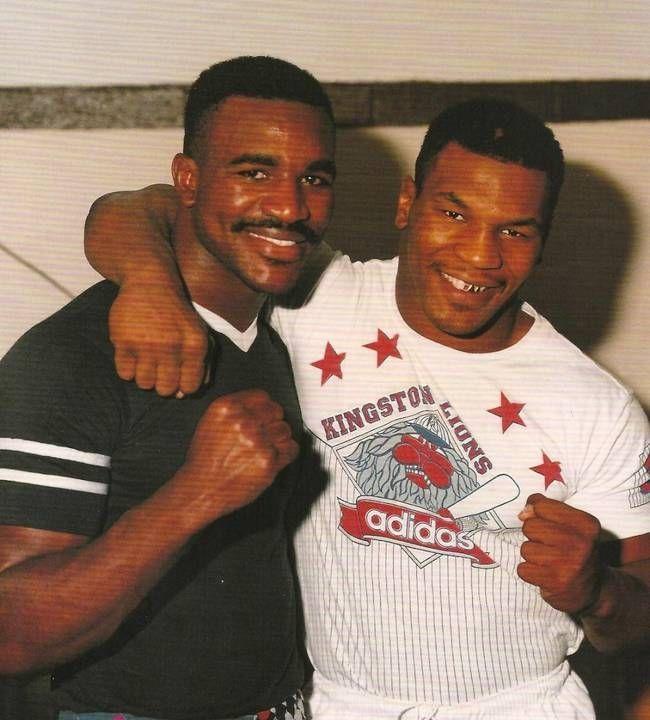 Tyson e Holyfiled já se conheciam há bastante tempo e era inevitável que lutassem um dia.