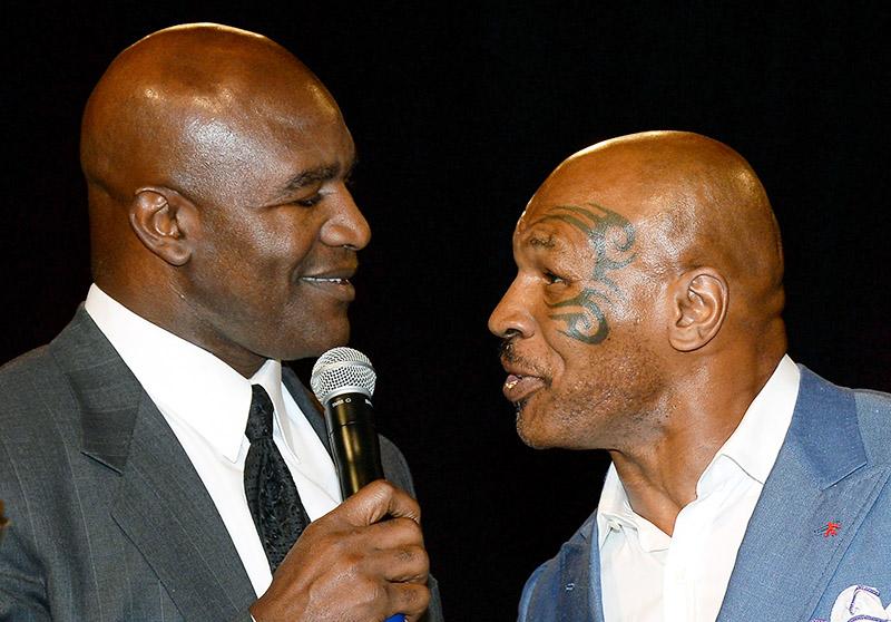 """Tyson pediu perdão a Holyfield por conta da """"mordida"""" em 1997. Desculpas aceitas, hoje ambos mantém uma relação cordial."""