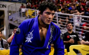 Lucas Hulk é o campeão mundial do meio-pesado